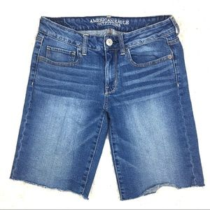 AEO Cut Bermuda Jean Shorts Size 8 Stretch